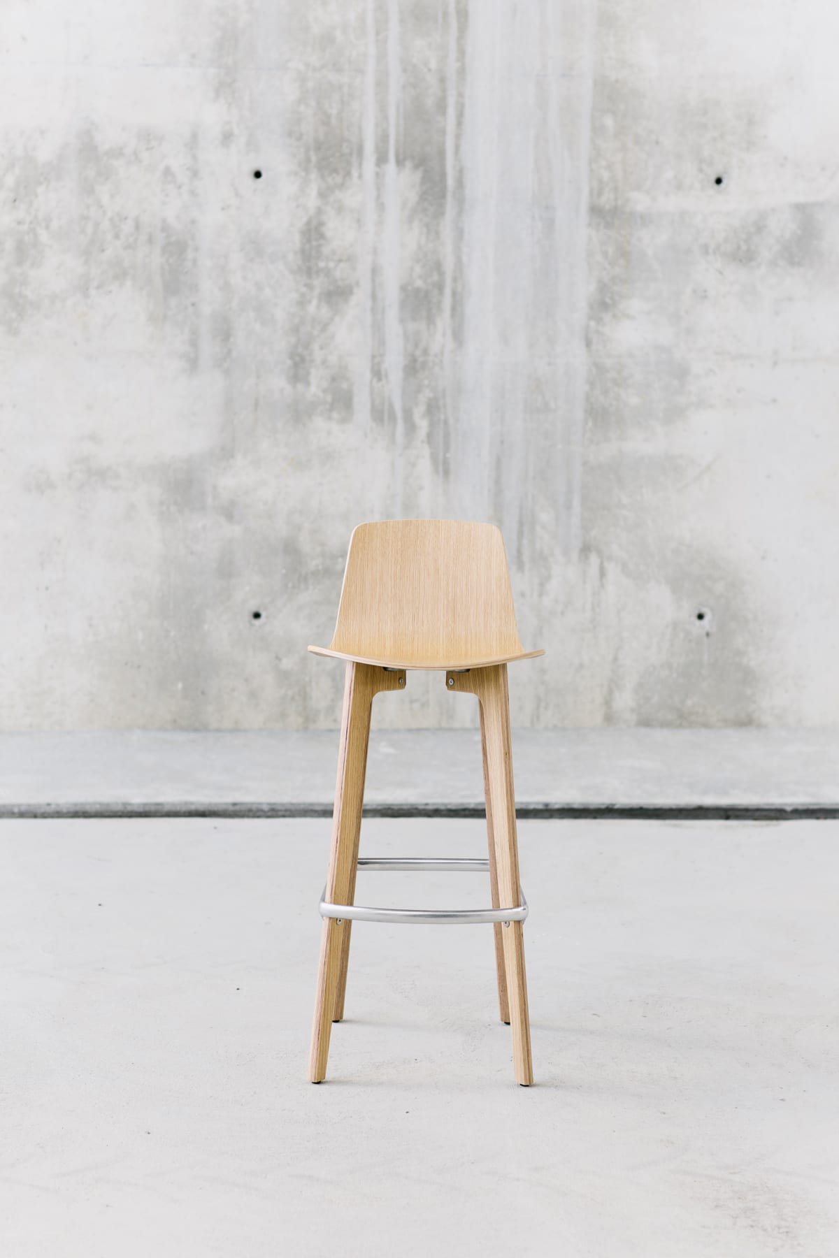 Lottus Wood stool