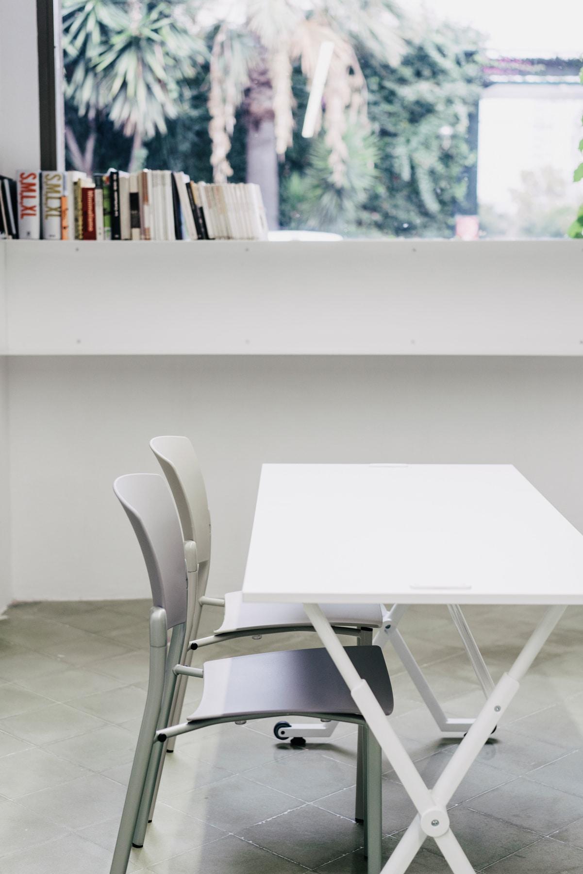Folio table