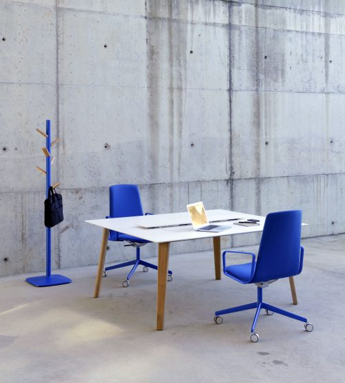 LTS System: functional and versatile tables — Enea Design