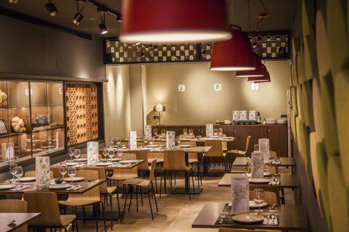 Colección Lottus, vanguardia y tradición en el Restaurante Los Cuevas — Enea Design