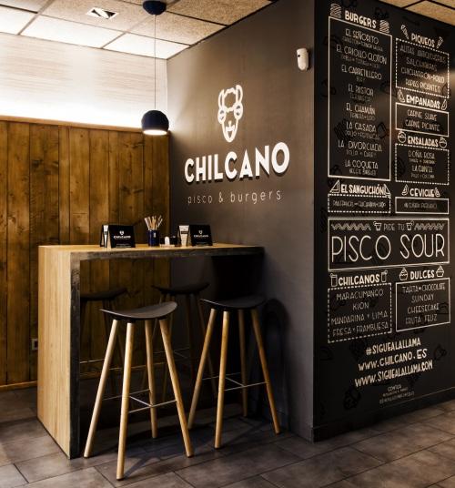 Lottus y Coma Wood protagonistas en Chilcano, un pisco&burger en Zaragoza — Enea Design