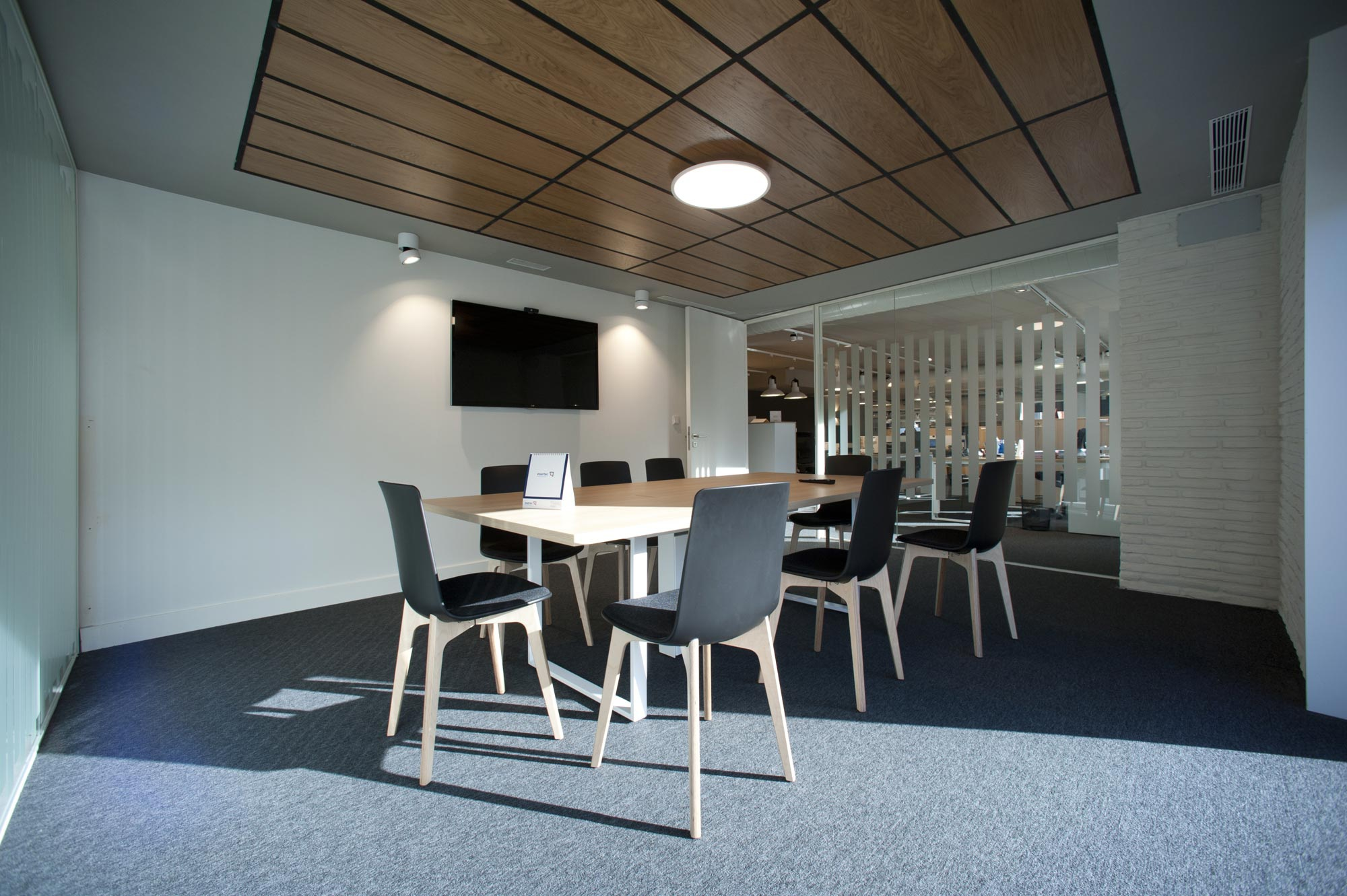 enea design silla Lottus Wood High oficinas insertec