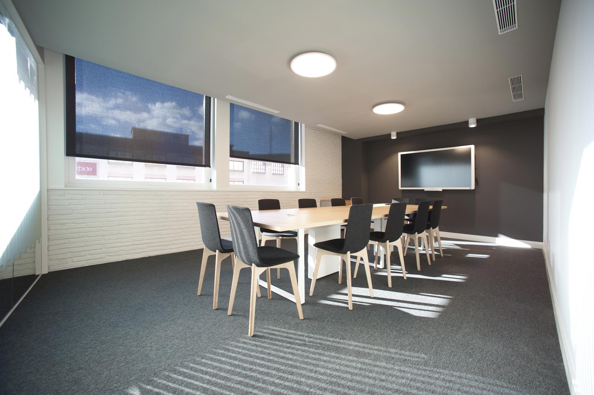 enea design silla Lottus Wood High oficinas insertec
