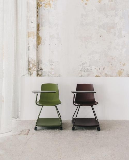 La nueva silla Tray para espacios de formación — Enea Design