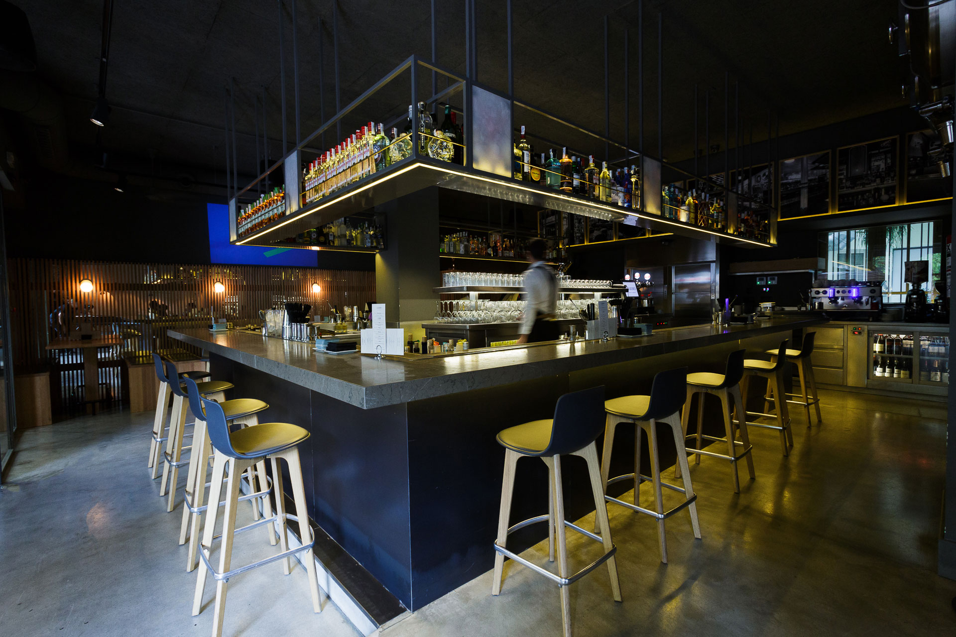 garbo bar gentlebar lottus wood enea design