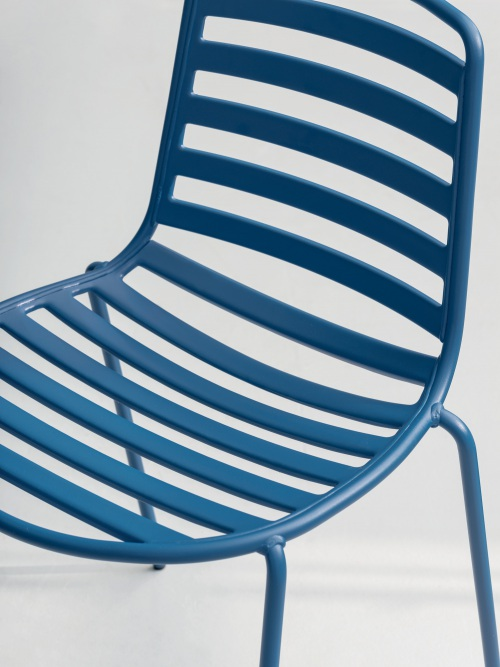 Street, an outdoor chair with a young spirit — Enea Design