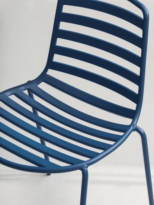 Street, una silla outdoor de talante joven — Enea Design