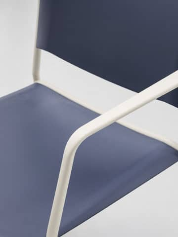 All the details of the new Ema 4L chair with arms — Enea Design