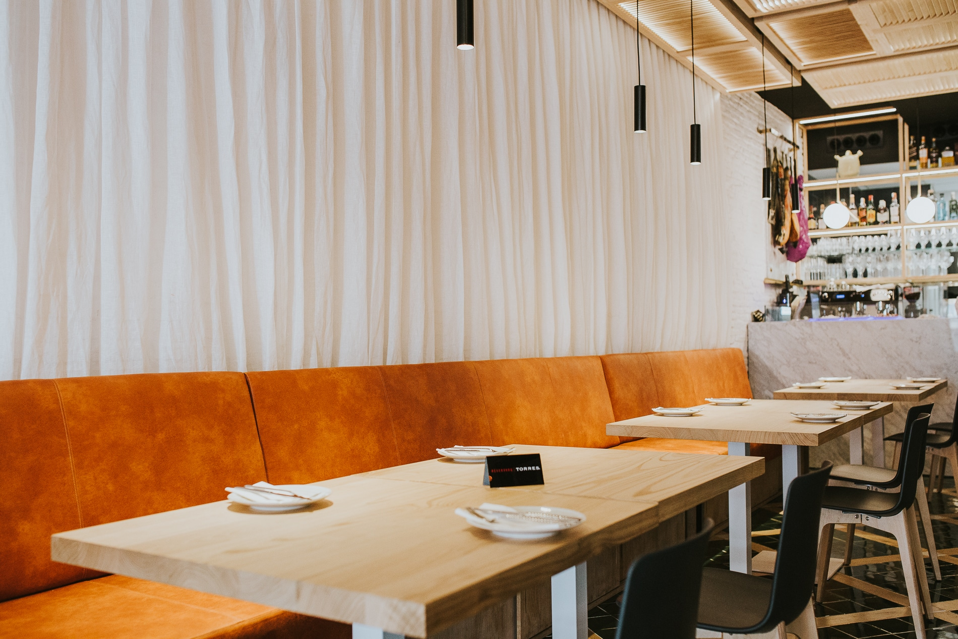 Papirusa Restaurant — Enea Design