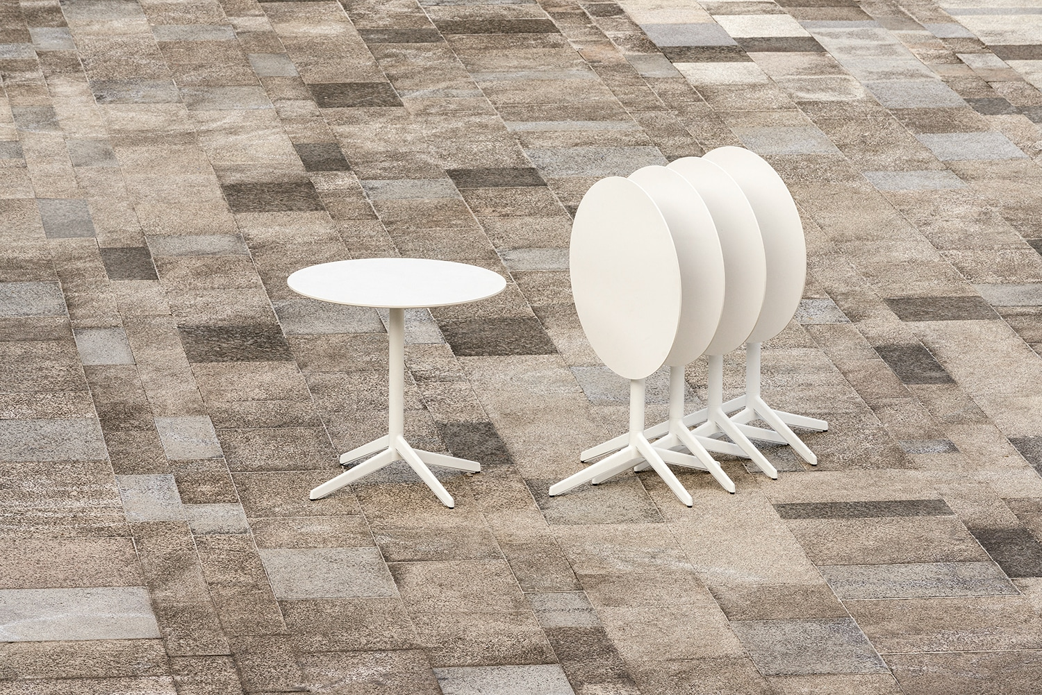 Pile A Table With High Functionality Enea