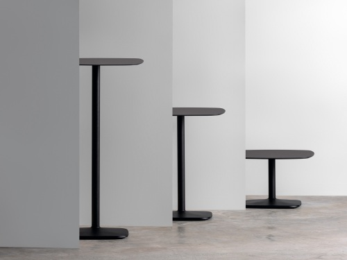 The Iron table creates a new collection — Enea Design
