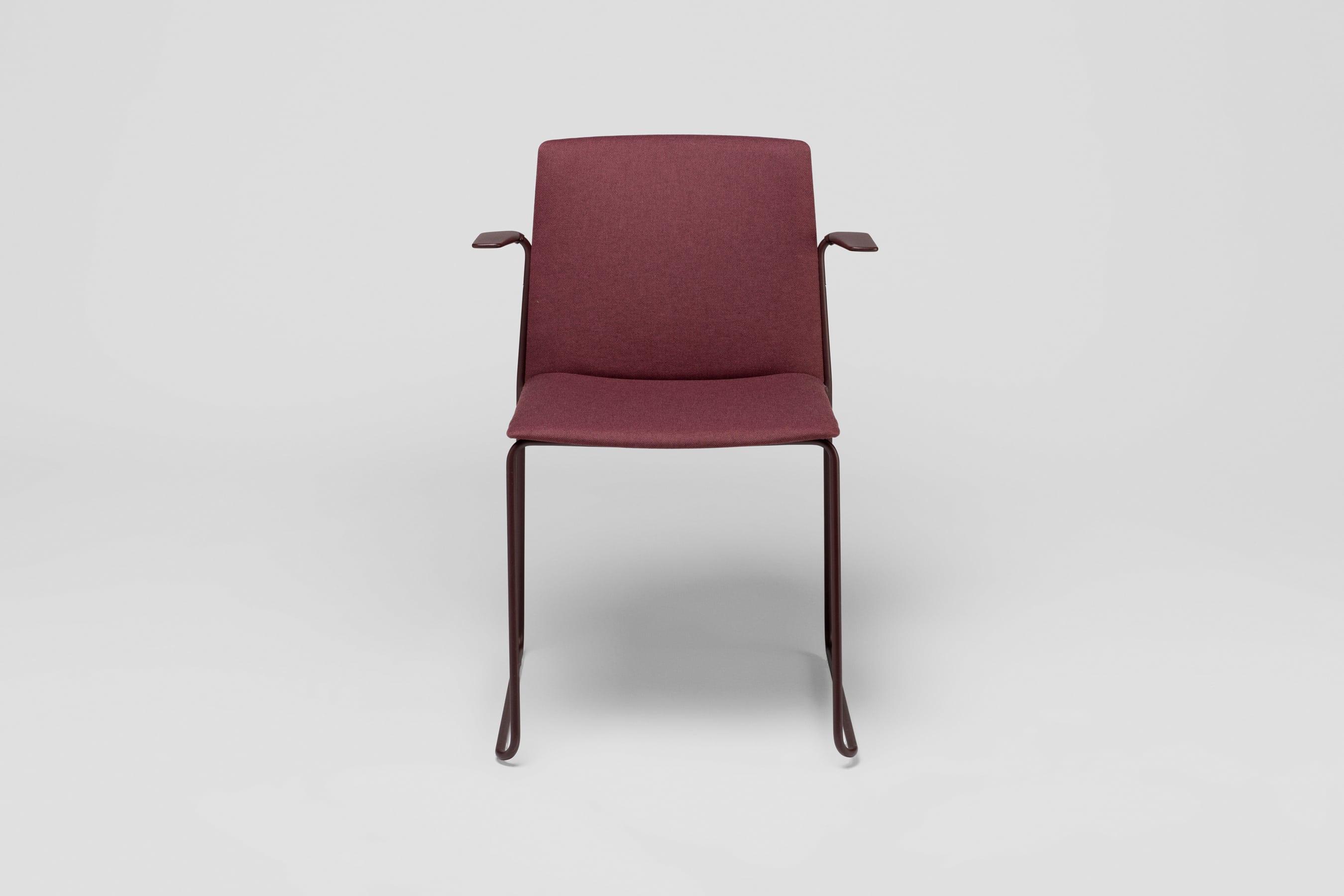 Ema chaise