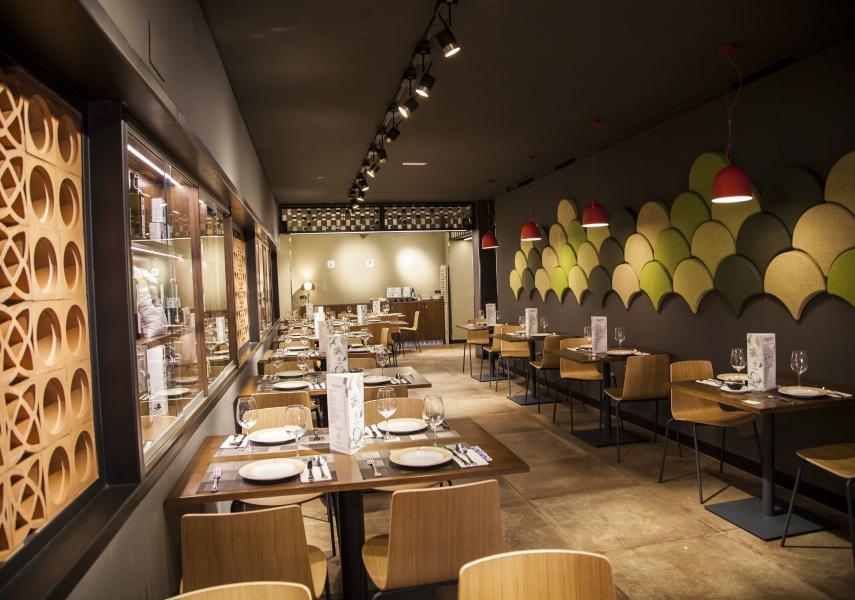 Los Cuevas restaurant — Enea Design